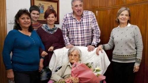 19.02.04_centenaria-Josefa-de-Acha_1-678x381.jpg